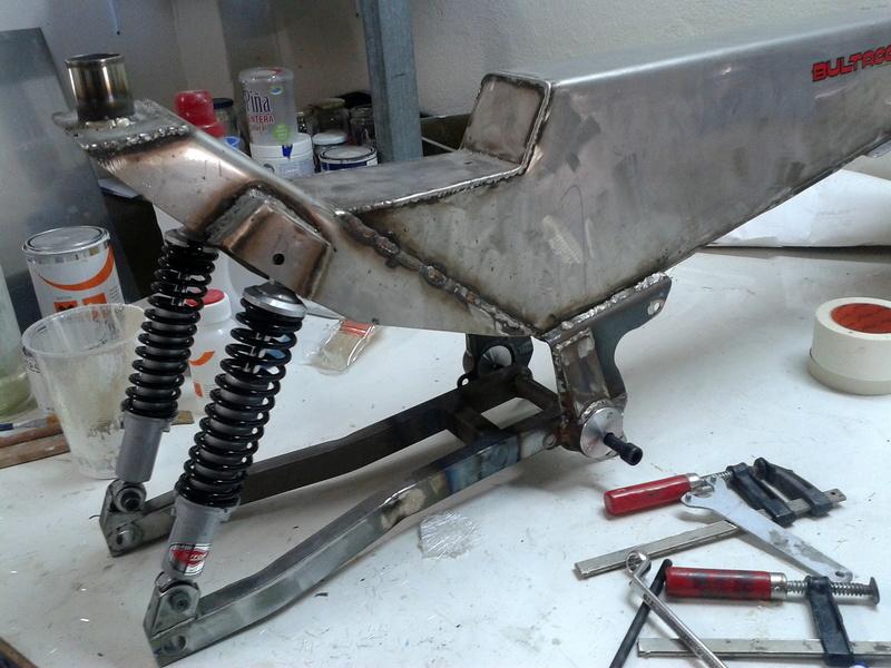 Réplica Bultaco 50 MOTUL Carmona 1982 - Página 19 20140111