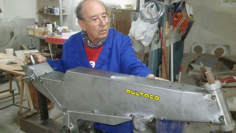 Réplica Bultaco 50 MOTUL Carmona 1982 - Página 18 2017-245