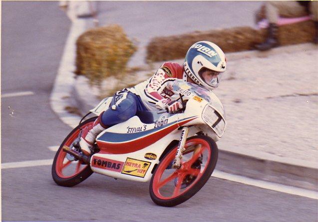 Réplica Bultaco 50 MOTUL Carmona 1982 - Página 19 26498410