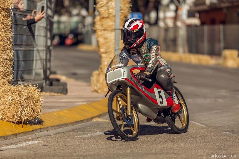 Réplica Bultaco 50 MOTUL Carmona 1982 - Página 19 27022010