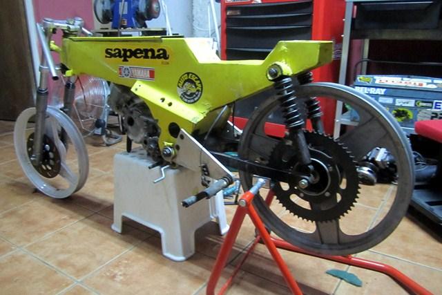 Réplica Bultaco 50 MOTUL Carmona 1982 - Página 19 Img_2218