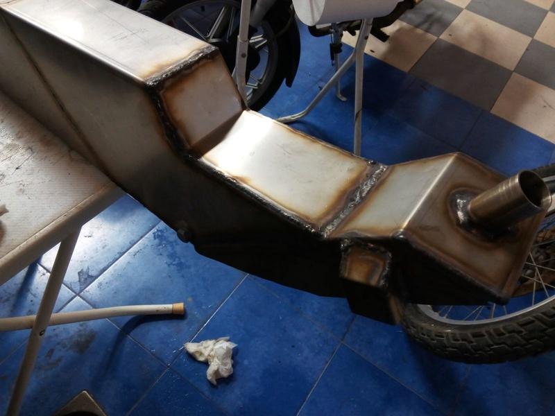 Réplica Bultaco 50 MOTUL Carmona 1982 - Página 19 Lhdy4810