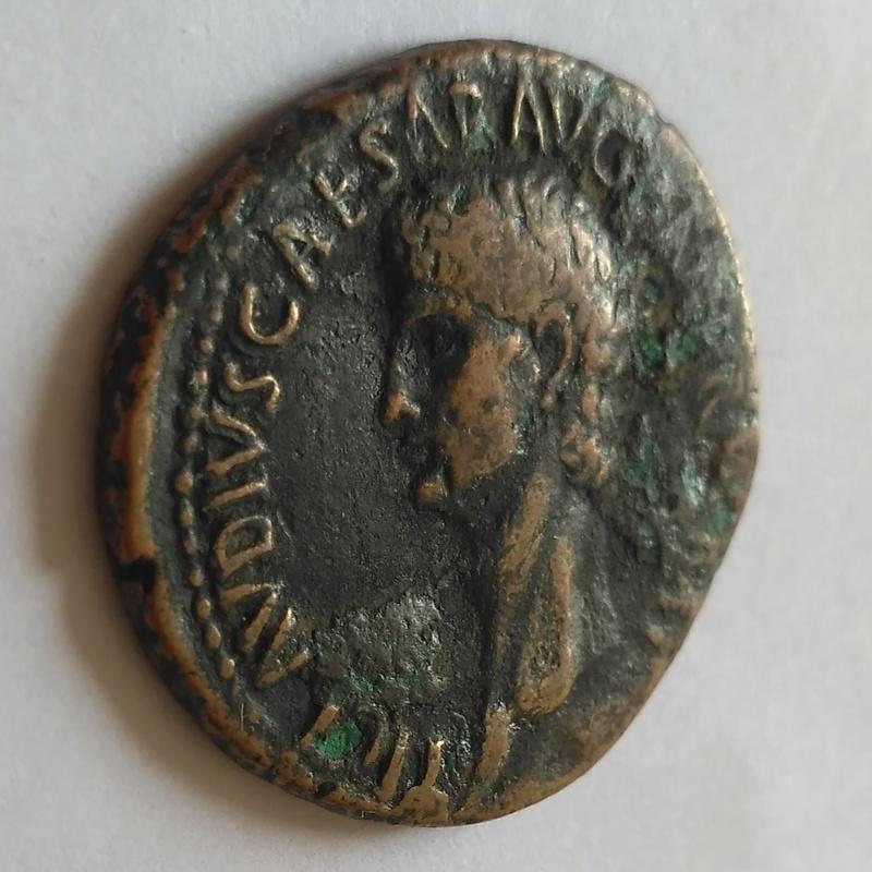 As de Claudio I. S C. Minerva en marcha a dcha. Roma. 20180310