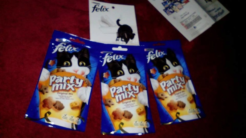 Amostras Purina Felix -snacks Felix Party Mix 23559410
