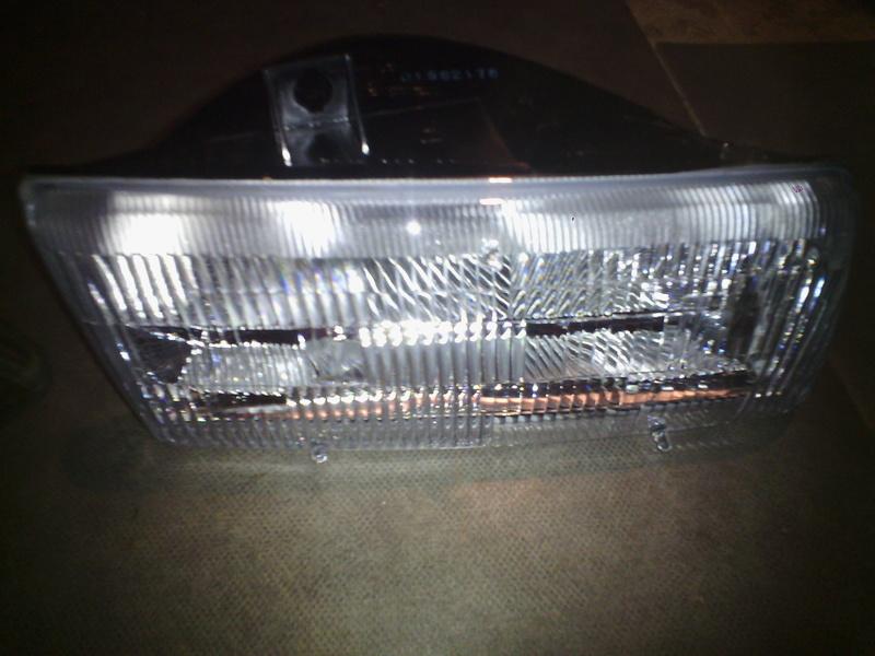 Recherche Phare Avant Gauche pour Chrysler Voyager S2 Img_2013