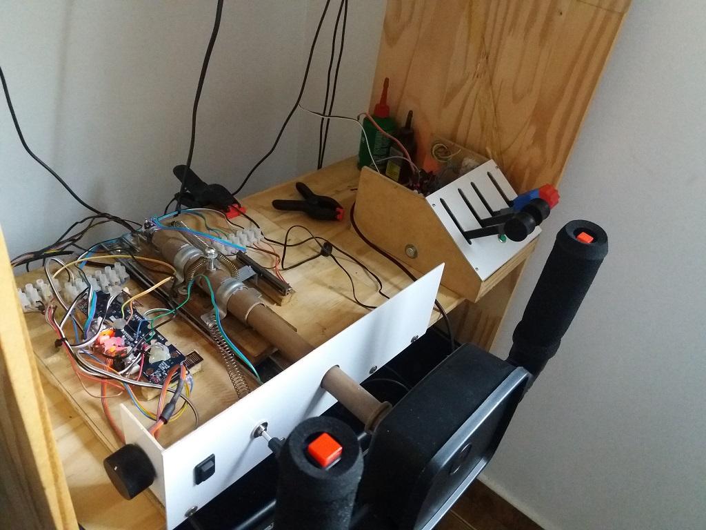 Novo projeto: Yoke, Throttle e painel de chaves. 610
