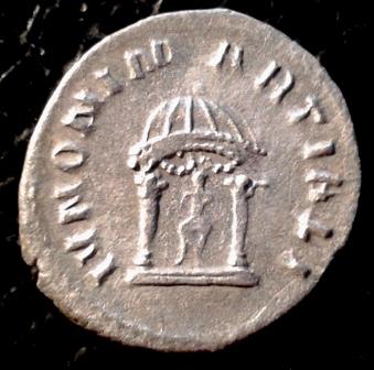Antoniniano de Volusiano. IVNONI MARTIALI. Juno en templo. Roma 20171125