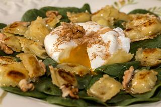 Salade de pousses d'épinards aux ravioles et son œuf poché Salade11