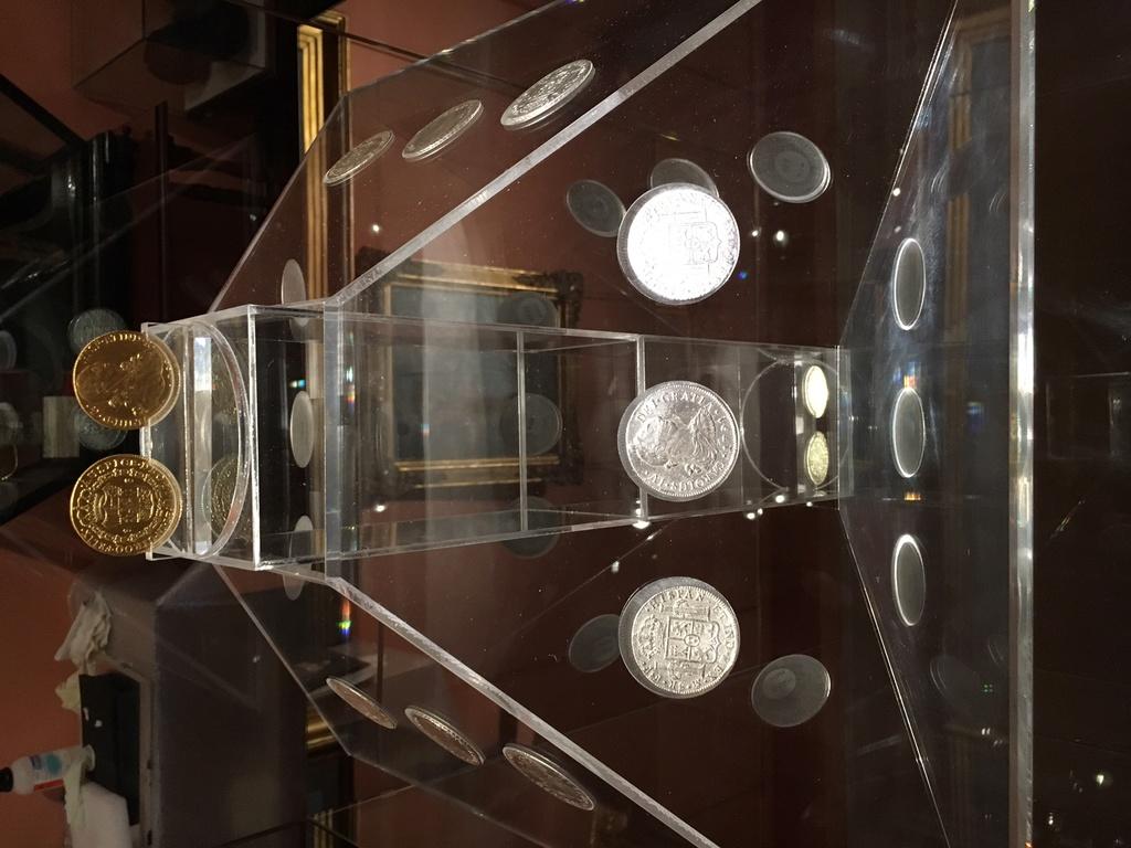 """MONEDAS DE LA """"FRAGATA MERCEDES"""" EN EL MUSEO NAVAL. Moneda11"""