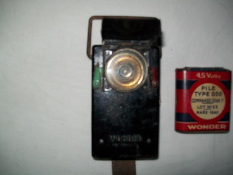 Identification d'une lampe de poche... 100_3353
