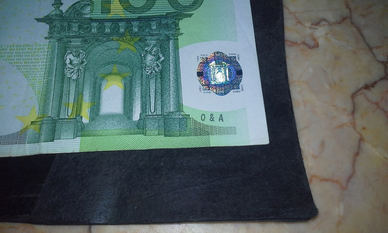 Billete de 100 euros...defecto de fabrica o tocado por el bensky??? 112