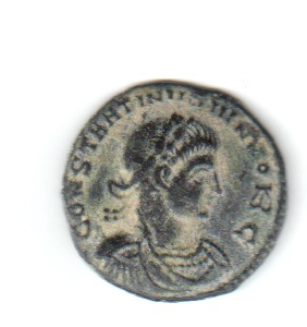 AE3 de cuño bárbaro de Constantino II. POMNOR NOSTROR CAESS / VOT X. Ticino Leyrar11