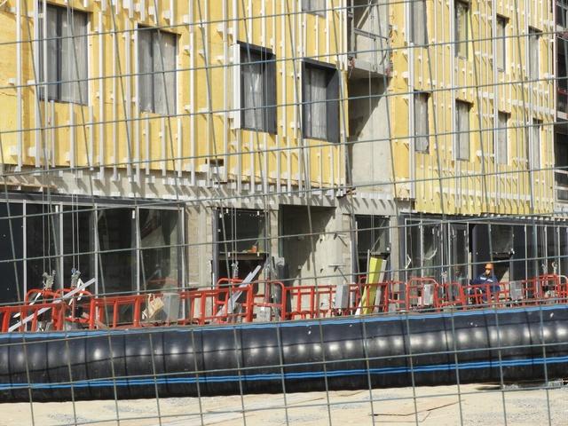 """На ЖК """"Летний сад"""" - начался монтаж фасадных конструкций! Теплозвукоизоляция под ними - лучше, чем у соседнего ЖК """"Город"""" - Страница 5 3114"""