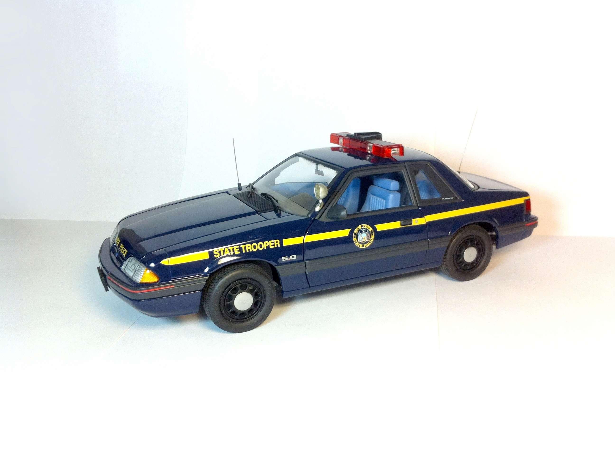Продам Форд Мустанг 1988 1/18 113