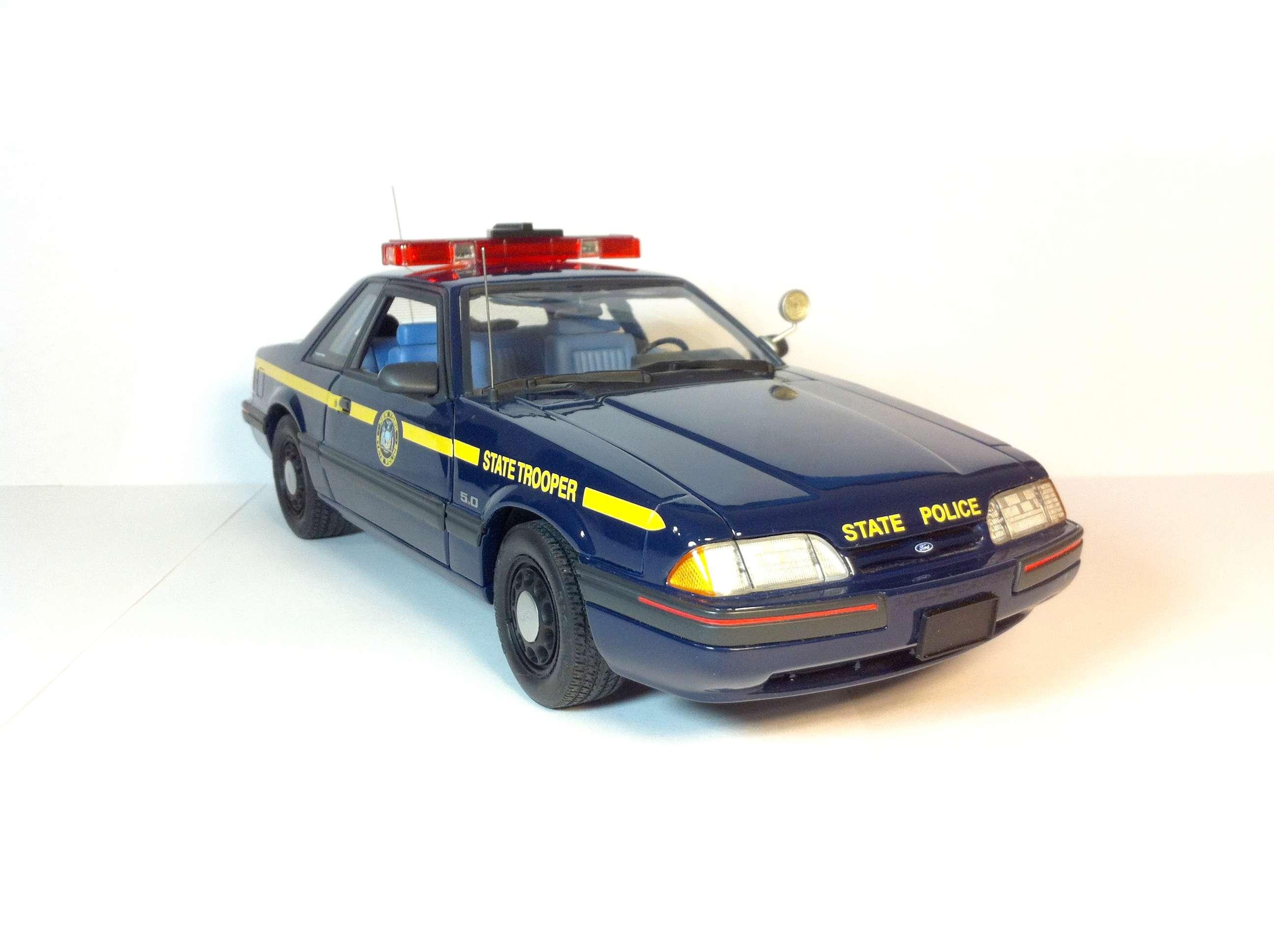 Продам Форд Мустанг 1988 1/18 211