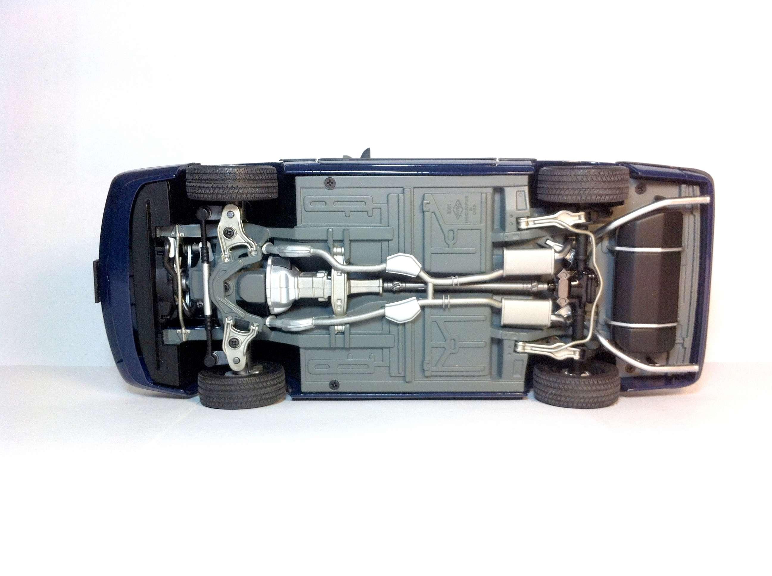 Продам Форд Мустанг 1988 1/18 811