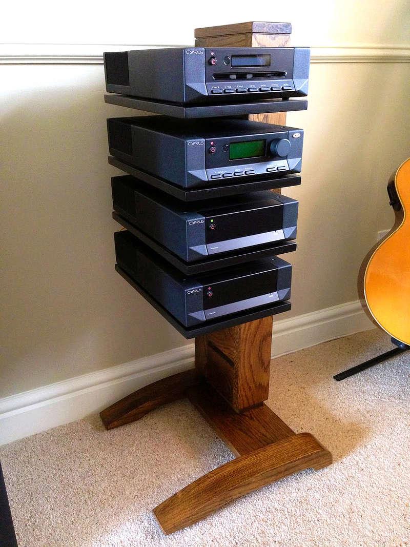Gira-Discos em cima do amplificador Rack11