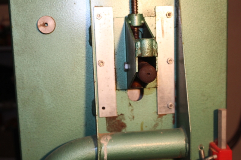 Scie à ruban Kity 612 (petite restauration, j'espère) Img_8321