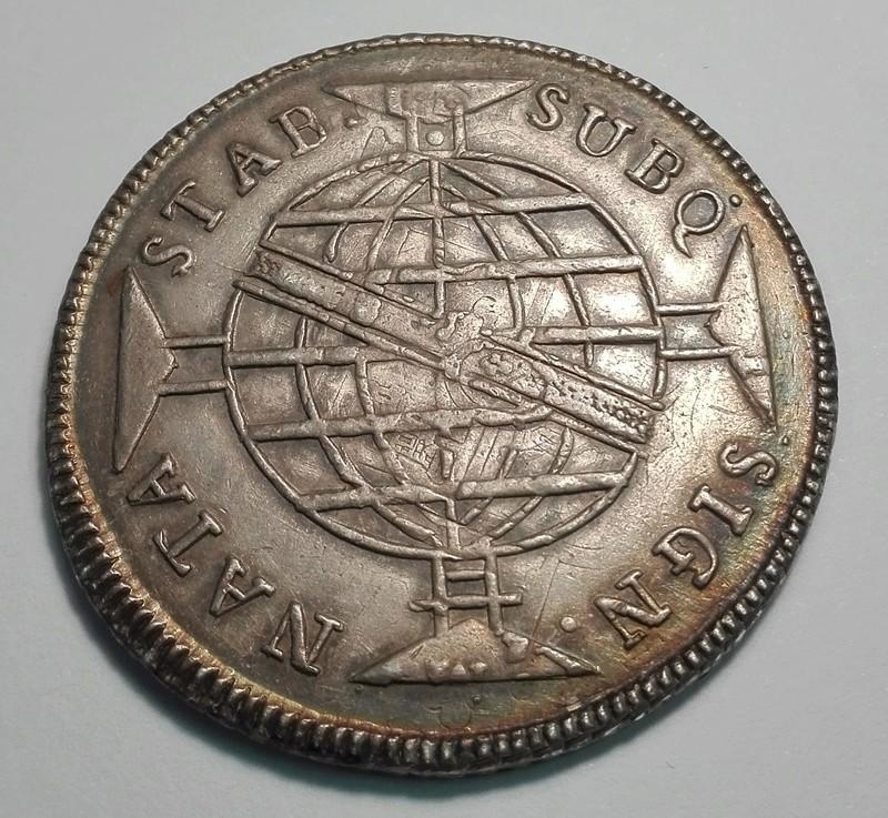 960 Reis reacuñada en Brasil en 1813 sobre un 8 Reales mejicano de Carlos IIII 960_re11