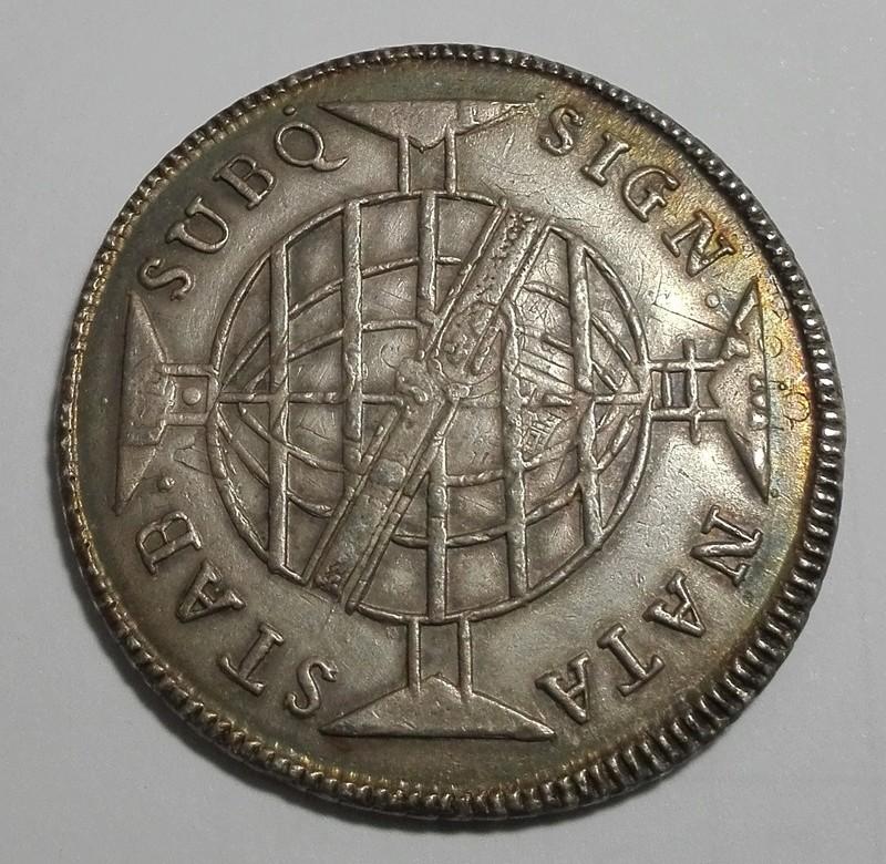 960 Reis reacuñada en Brasil en 1813 sobre un 8 Reales mejicano de Carlos IIII 960_re12
