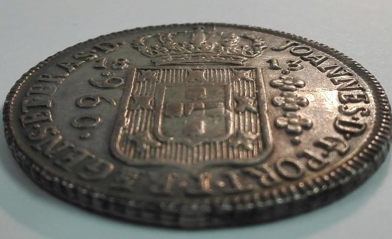 960 Reis reacuñada en Brasil en 1813 sobre un 8 Reales mejicano de Carlos IIII 960_re17
