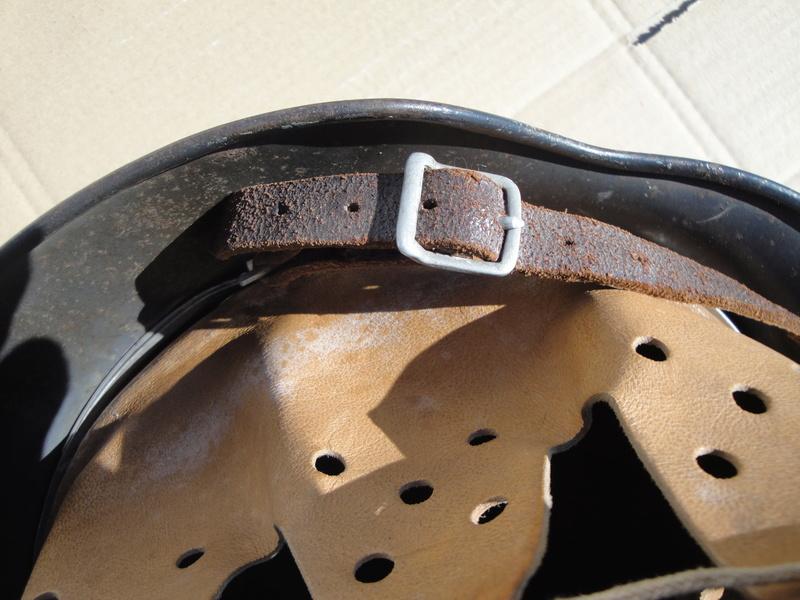 Jugulaire casque allemand boucle alu Dsc03110