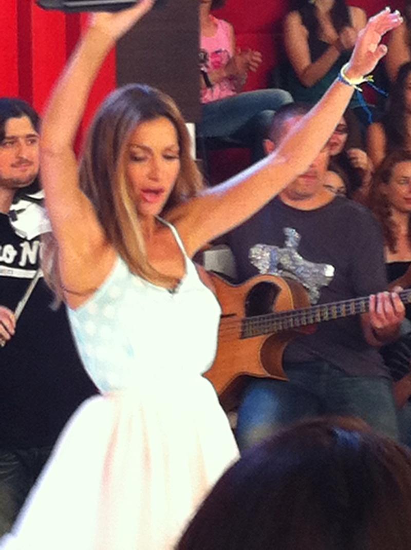 Μίλα @Star Tv [14-6-2012] Vandi-24