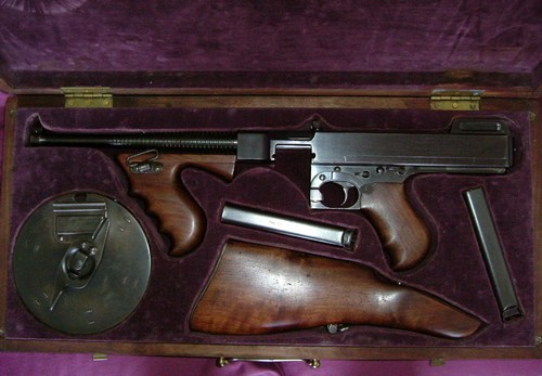 Pistolet-mitrailleur Thompson 1928 2110