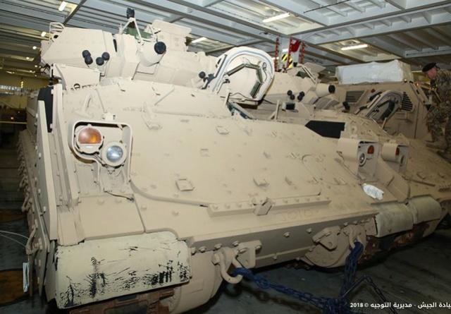 تسلّم الجيش اللبناني الدفعة الثانية من آليات القتال المدرعة نوع  برادلي N0302212