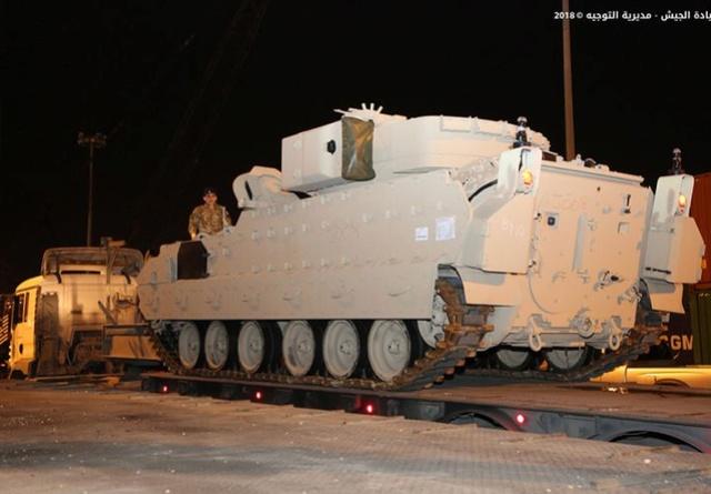 تسلّم الجيش اللبناني الدفعة الثانية من آليات القتال المدرعة نوع  برادلي N0302213