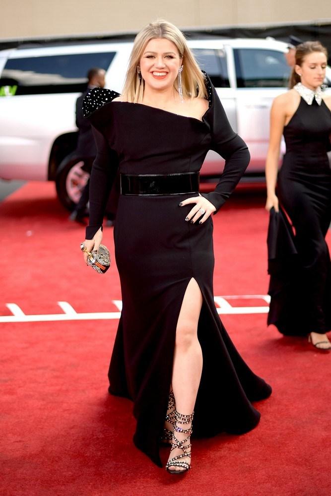 Kelly Clarkson  5a0d8c10