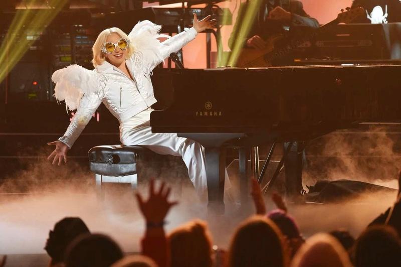 4 - Lady Gaga - Σελίδα 9 F9351a10