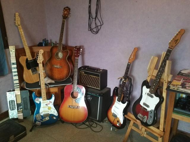 Les photos de vos guitares & Co... - Page 5 00413