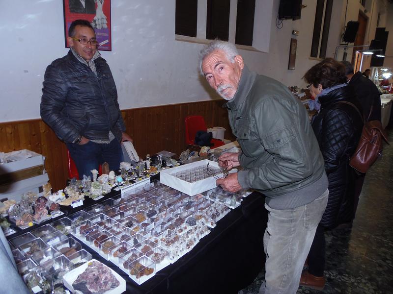 XXIV Mesa de minerales Monteluz. 9 de diciembre de 2017. El Padul (Granada) - Página 2 Pc101024