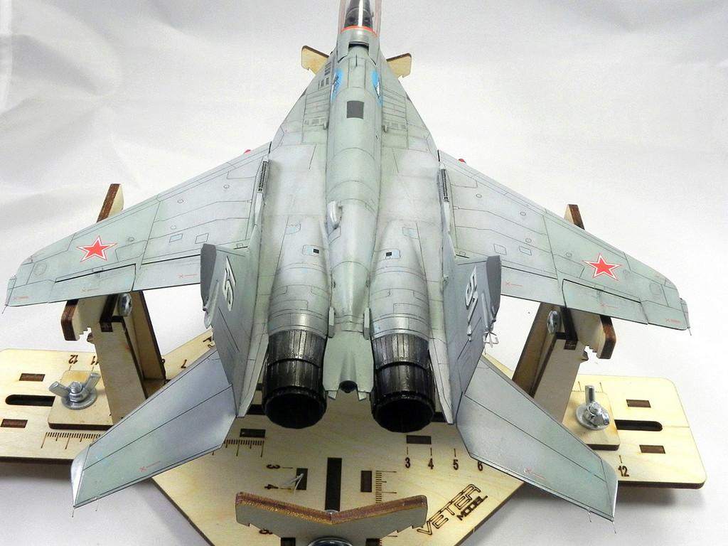 МиГ-29 (9-13) 1:48 Eduard 10811