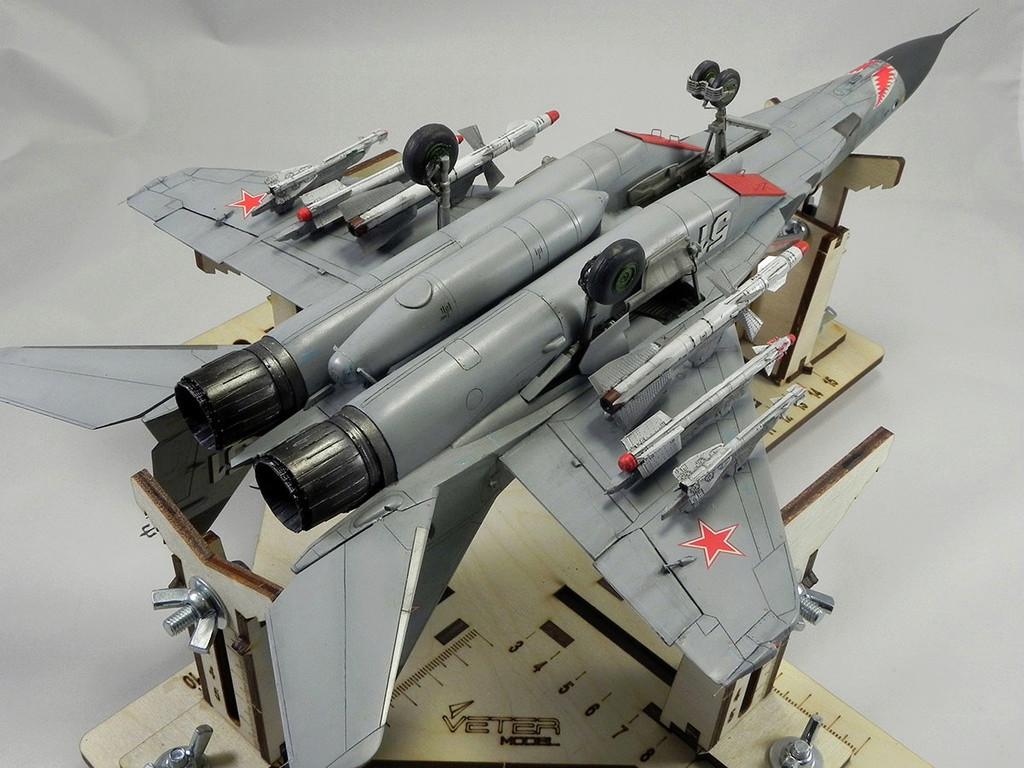 МиГ-29 (9-13) 1:48 Eduard 11111
