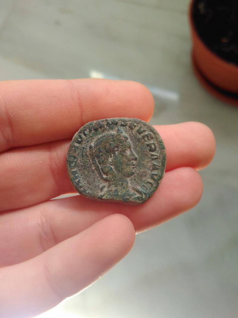 Sestercio de  Otacilia Severa. PIETAS AVG(VSTAE)?. Pietas estante a izq. Roma. 166_210
