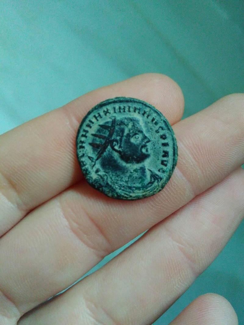 Radiado post-reforma de Maximiano Hércules. CONCORDIA MI-LITVM. Emperador y Júpiter. Alejandría. 277_210