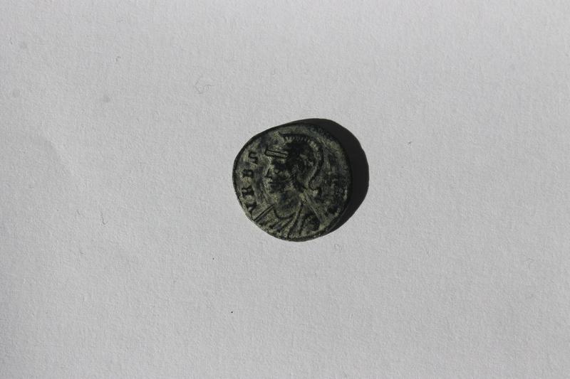 AE4 conmemorativa de Roma. VRBS ROMA. La loba capitolina con los gemelos. Img_0022