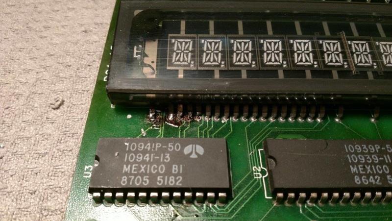 Réparation d'un afficheur alpha-numérique Gottlieb Sys80b (Gen1) 26023810