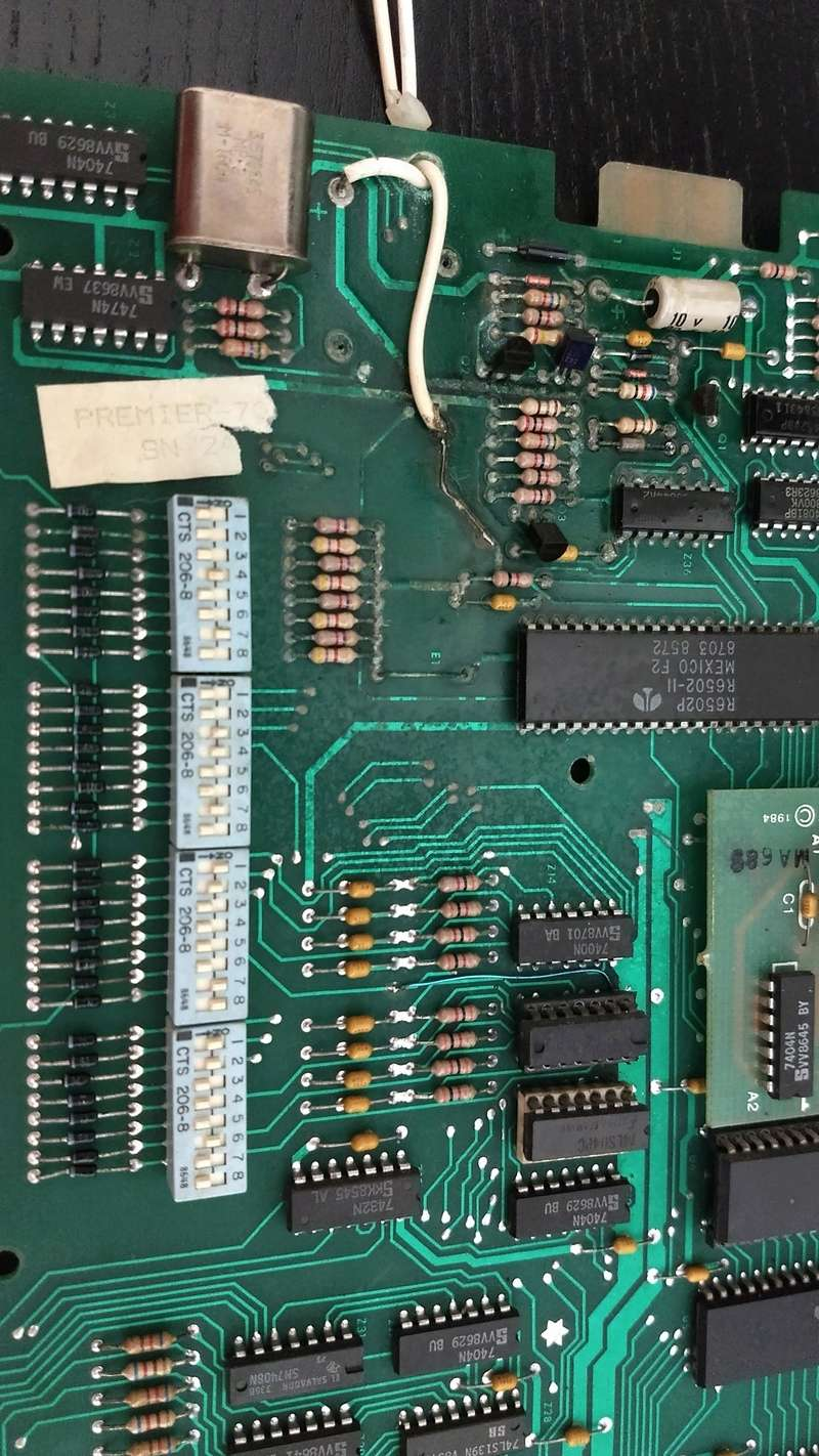 Une autre CPU 80b de substitut, pas de bol elle démarre plus ...  Img_2033