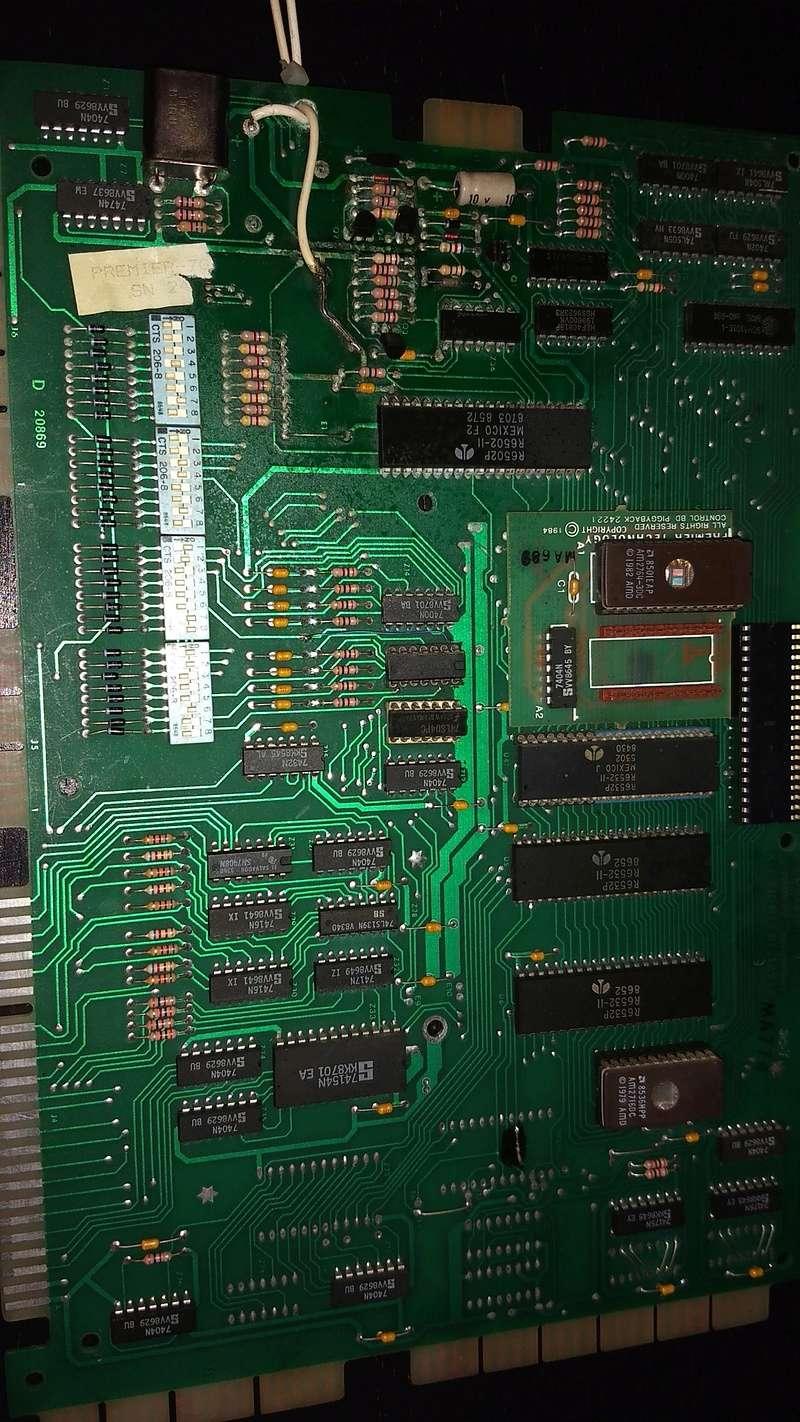 Une autre CPU 80b de substitut, pas de bol elle démarre plus ...  Img_2036