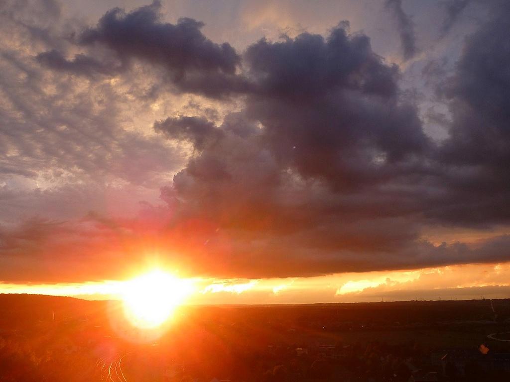 Dans ma prairie en 2017. moutons d'Ouessant. et beaux couchers de soleil. 15081712