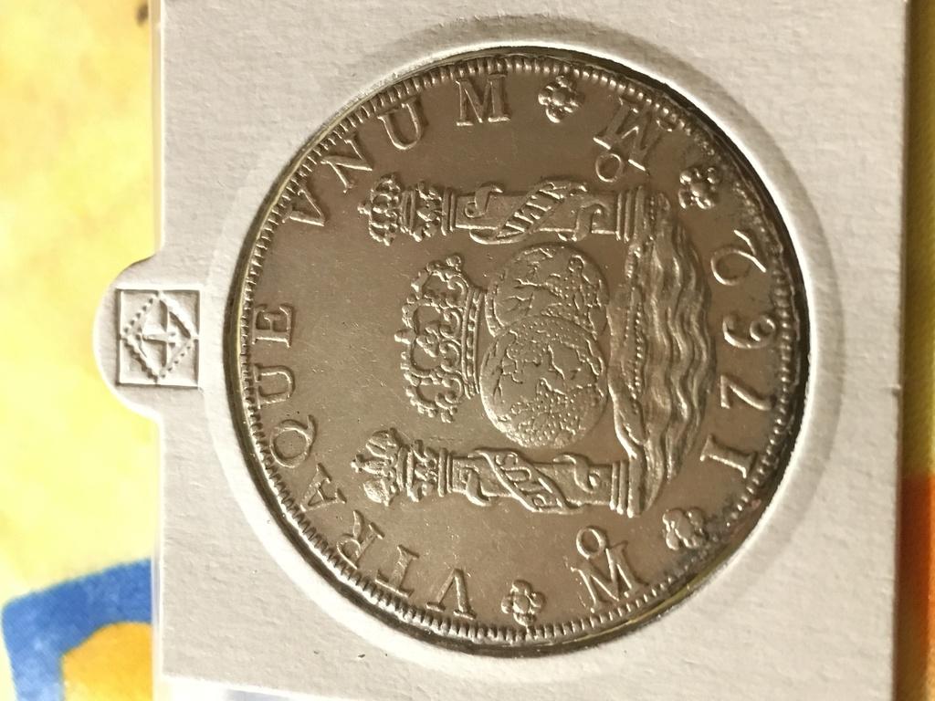 8 Reales Carlos III, México 1762 Img_4912
