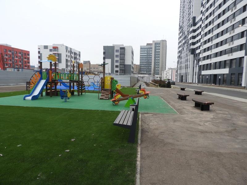 Фото-видеообзоры благоустройства придомовой территории - первая детская площадка и аллея с мини ботаническим садом 5610