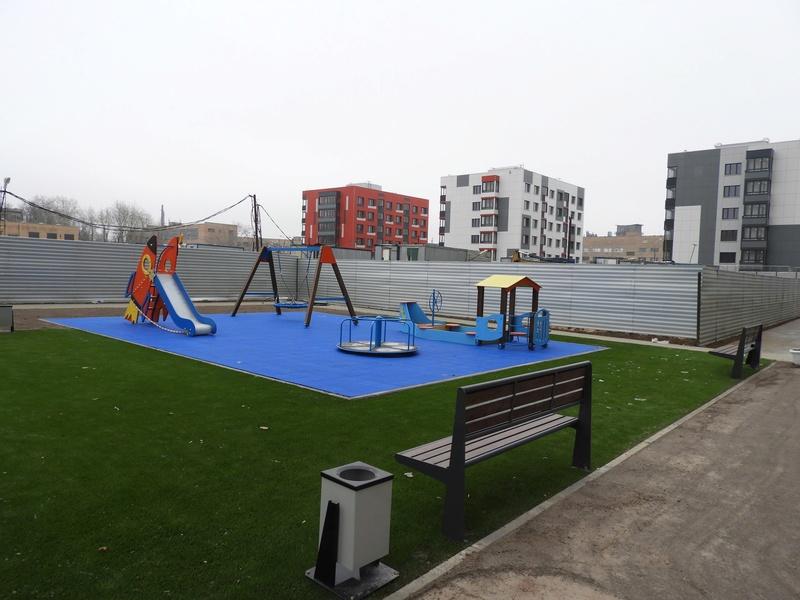 Фото-видеообзоры благоустройства придомовой территории - первая детская площадка и аллея с мини ботаническим садом 5710