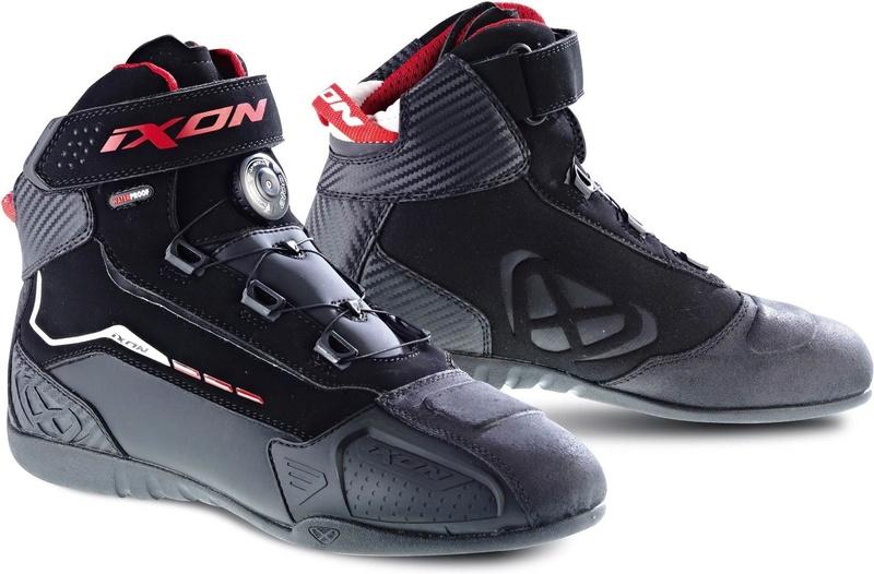 Demi-bottes ou baskets? Soldie10