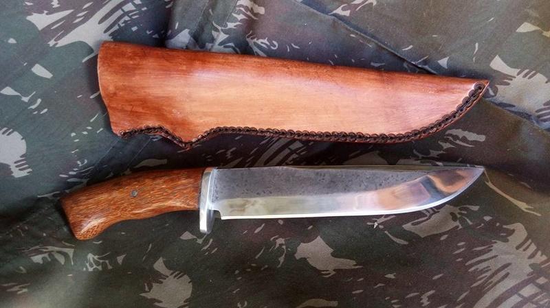 dos cuchillos que van saliendo 1012