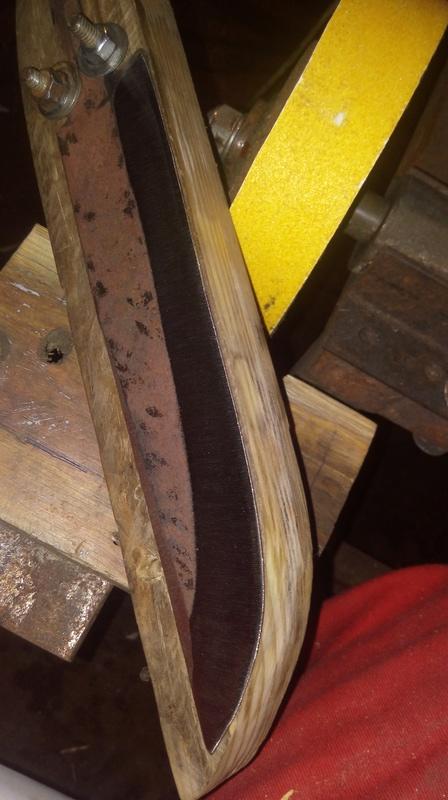 dos cuchillos que van saliendo 1210