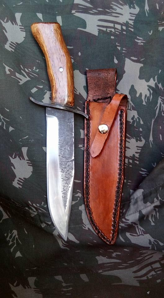 dos cuchillos que van saliendo 1510